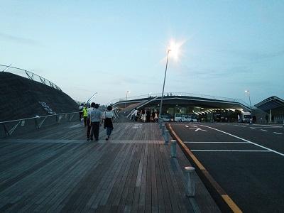 横浜大桟橋のウッドデッキ