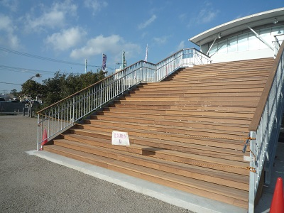 階段デッキ
